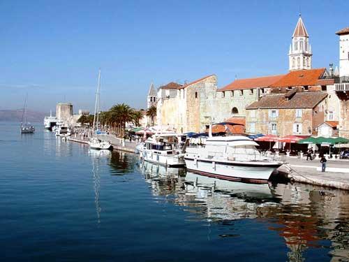 Flottieljezeilen in Kroatie vanuit Trogir
