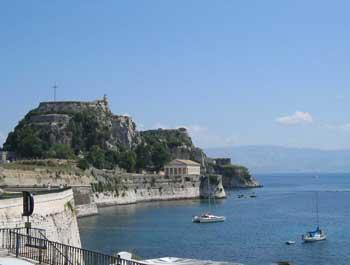 Een zeilboot huren in Corfu
