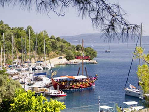 Flottielje zeilen naar Spartagori op Meganisi